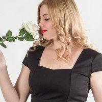 Алена и роза :: Alexandr Gold