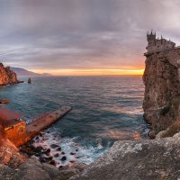 Замок Ласточкино гнездо :: Сергей Титов