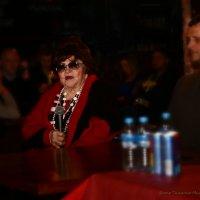 Мама певца и композитора Александра Барыкина на вечере памяти :: Михаил Тищенко