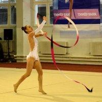 Танец с лентой :: Владимир Болдырев