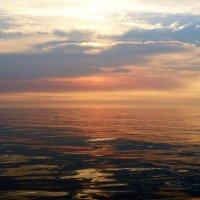 Встречаем рассвет на корабле. Курс на Кунашир. :: Елена Савчук