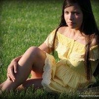 в траве сидел не кузнечик- девушка :: Олег Лукьянов