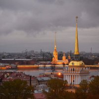Вечерний город :: Наталья Левина