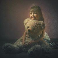 Софья и медведь :: Владимир Сворочаев