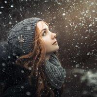 А снег идет... :: Сергей Пилтник