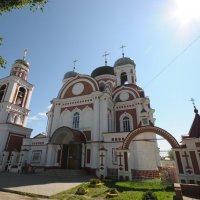 Церковь в городе Козьмодемъянске :: Сергей Тагиров