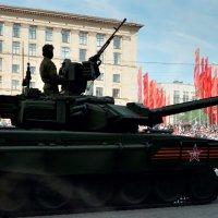 С праздником вас, Защитники Отечества!!! :: Николай Ярёменко
