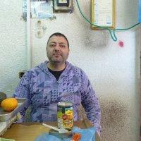 Продавец овощей и фруктов. :: Пётр Беркун