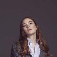Женский портрет 2 :: Екатерина Зуева