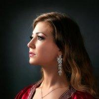 Портрет молодой женщины...3 :: Андрей Войцехов