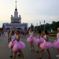 на исходе дня или розовые юбочки :: Олег Лукьянов