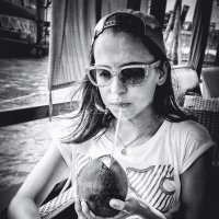 Girl with coconut. :: Илья В.