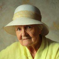 Портрет бабушки :: Алёна Найдёнова