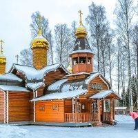 У храма :: Сергей В. Комаров