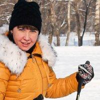 Лыжница. :: юрий Амосов