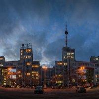 Госпром на закате дня :: Лидия Цапко