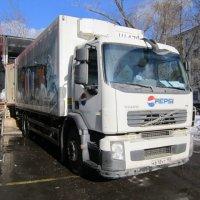 Белый фургон продуктовый :: Дмитрий Никитин