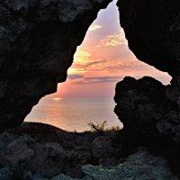 Окно в закат... :: владимир