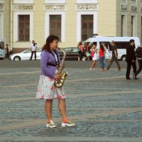 Летом на Дворцовой :: Весна