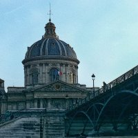 Дом, мост, река. И это на века. :: Виктор Никаноров
