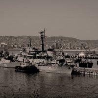 Утро на военноморской базе :: Константин Николаенко