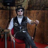 Участник кавер- группы Leon'S :: Дмитрий Сахончик