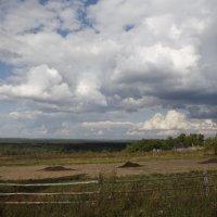 Над полями облака гуляют. :: Николай Масляев