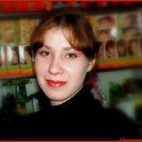 Хозяйка парфюмерного отдела :: Андрей Заломленков