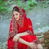 Девушка в свадебном сари :: Алеся Шапран