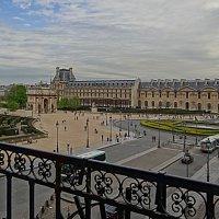 Площадь перед Лувром. :: Ольга