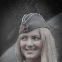 Глаза, улыбка и пилотка! 1 :: Александр Валяев