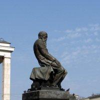 Памятник Достоевскому :: Grey Bishop