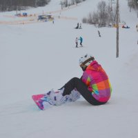 Яркая сноубордистка. :: Михаил Поскотинов