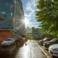 Солнце и дождь :: Виктор Баштовой