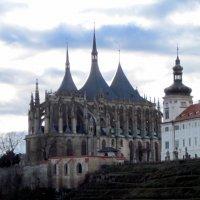 Чехия.Кутна - Гора. Вид на Собор св. Варвары и иезуитский колледж :: An-na Salnikova