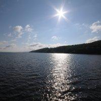Яркое солнце над берегом реки Волги :: Сергей Тагиров