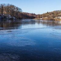 Замерзшее озеро :: Игорь Желтов