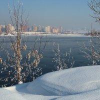 Где-то там,за рекою, хорошая жизнь... :: Александр Попов