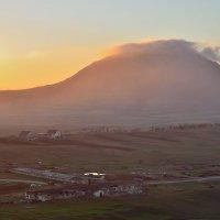гора Верблюд в лучах заката :: Мария Климова