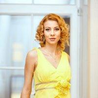 Девушка в желтом :: Илья Киряков