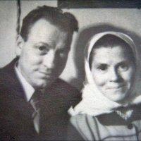 Брат и сестра - Василий и Надежда. 1956 год :: Нина Корешкова