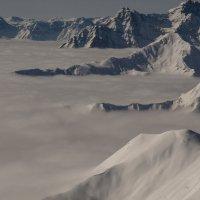 Горы тонут в облаках :: Vadim Odintsov