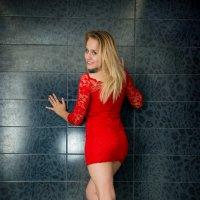 Красное платье :: Элеонора Флаум