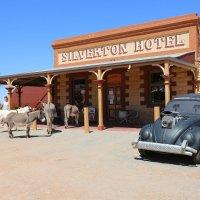 Silverton Hotel в городке Silverton :: Антонина