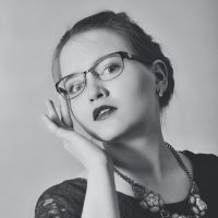 Девушка в очках :: Валерий Кокин