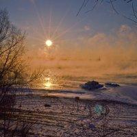Солнце и туман над водой. :: cfysx