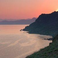 Закат на мысе Меганом. Крым. :: IS_Irin .