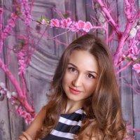 Весенний портрет. Анна. :: Юлия Романенко