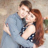 Елена с сыном... :: Мария Дергунова