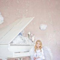 Грустный ангел :: Ксения Базарова